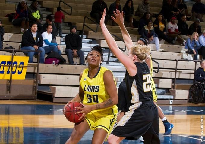 Breanna Harris had 13 points and seven rebounds against Texas Woman's.