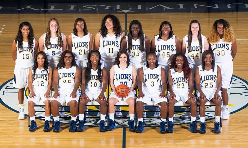 Women's basketball team for 2013-2014 season.