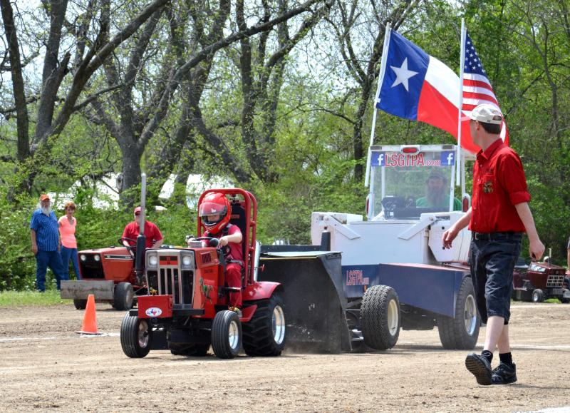 The Duncan family in the Lone Star Garden Tractor Pull.