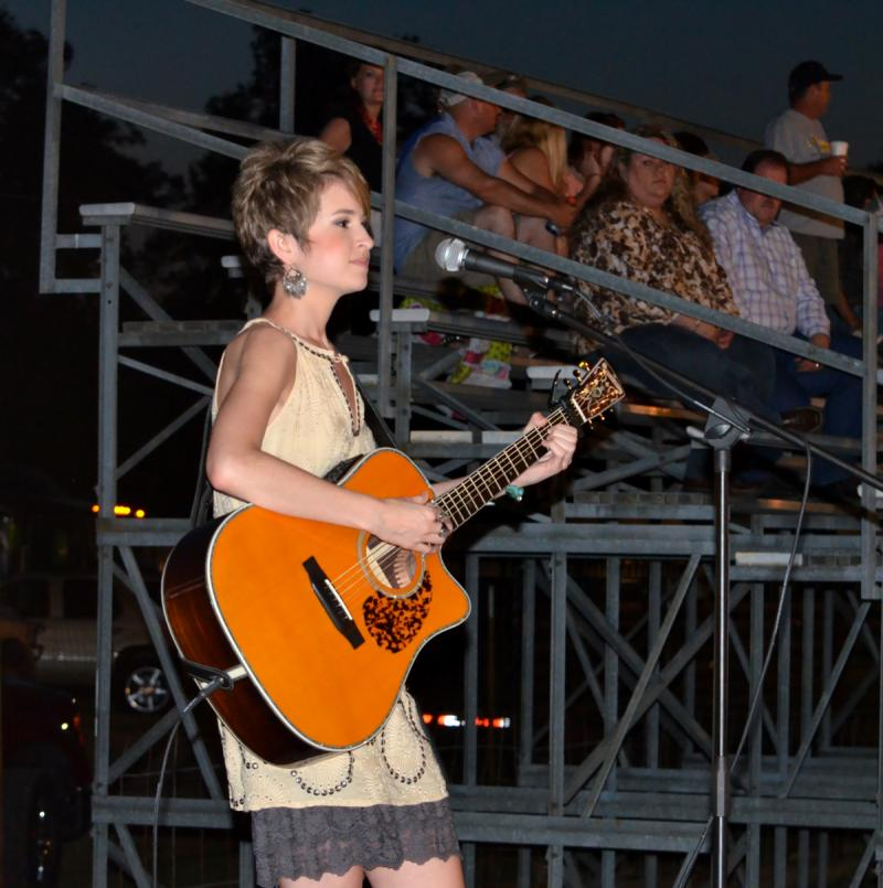 Lauren Taylor performs at the 2014 Cooper Rodeo.
