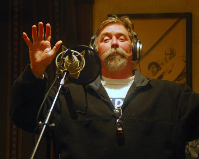 Mike Blakely sings in-studio.