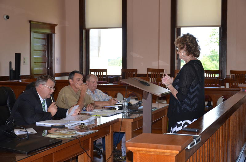 NETO Executive Director Beverly Logan speaks before Franklin County Commissioners Court.
