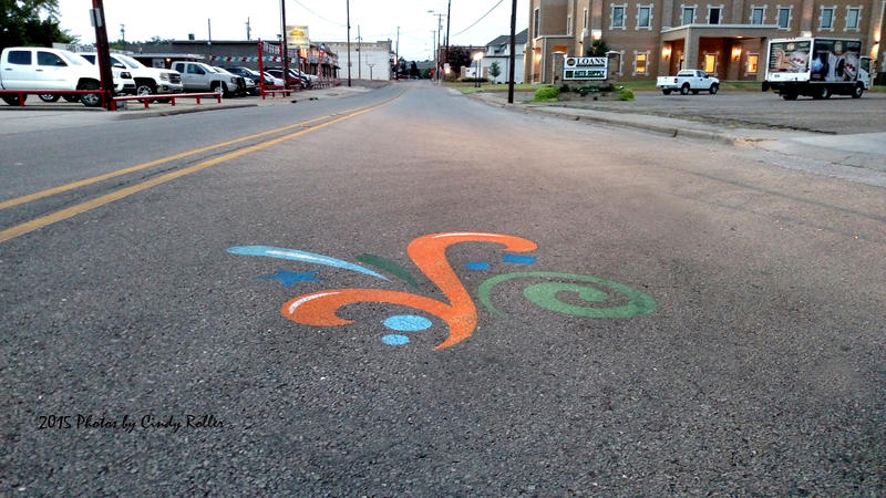 Celebration logos lead the way to downtown Sulphur Springs.