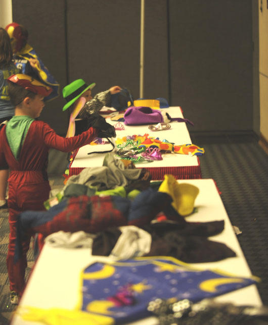 Kids play in the Kid's Cosplay room