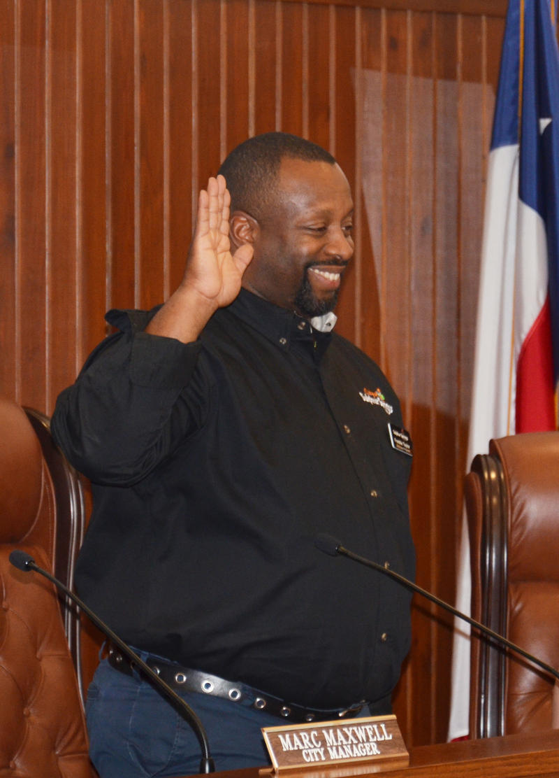 Councilman Freddie Taylor takes the oath for the City of Sulphur Springs.
