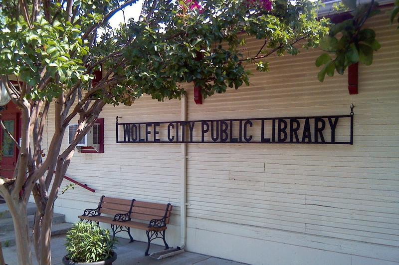 Wolfe City Public Library