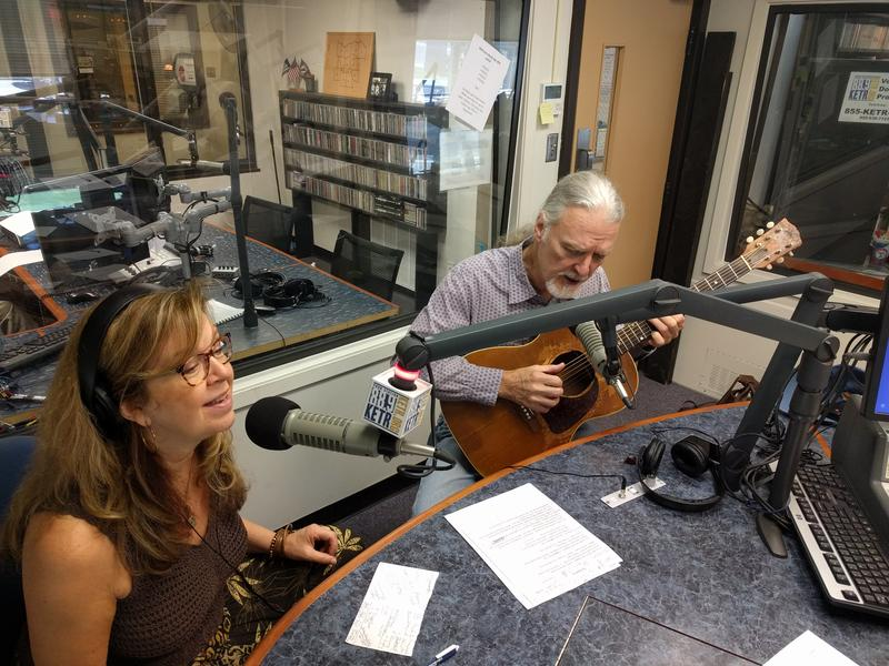 Lynn Adler (left) and Lindy Hearne (right) performing live in the KETR Studios.