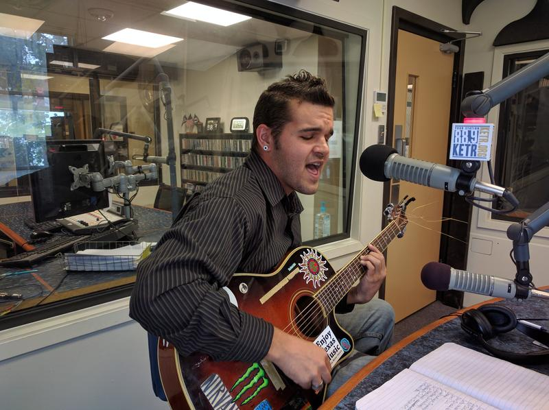 Jeremy Bellamy performing live in the KETR Studios.