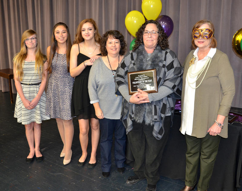Volunteers of the Year Monica Purviance and Lisa Chambliss presented by Delta 4-H Club