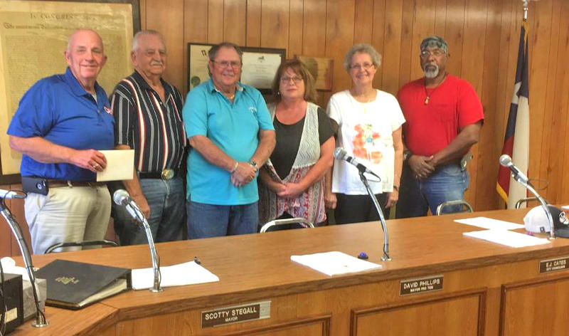 Mayor Scotty Stegall with Council members E.J. Cates, David Phillips, Donna Thomason, JoAnn Preas and Willie