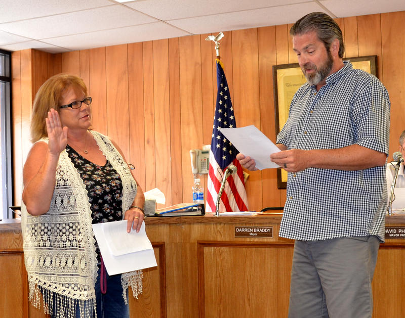 Donna Thomason will retain her position on the City Council for Cooper. She was sworn in by Mayor Darren Braddy.