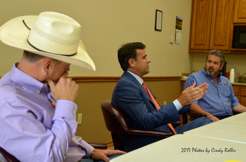 Judge Jason Murray and Mayor Darren Braddy discuss issues with Congressman Ratcliffe.
