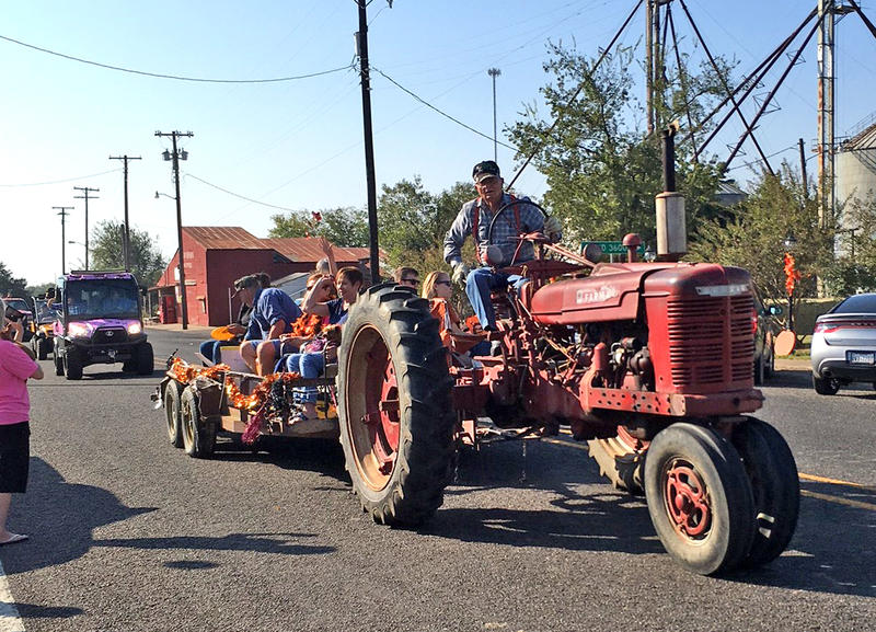 Pecan Fest parade hosted many attractions.