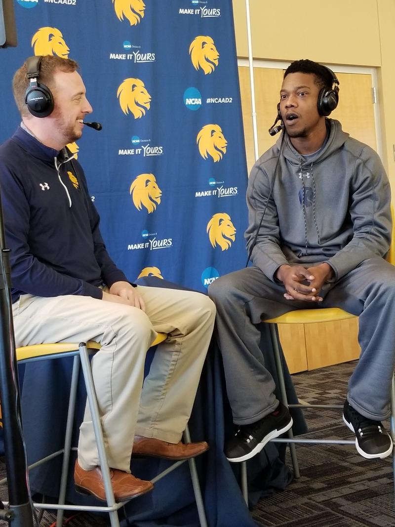 Josh Manck discusses the hot start for the men's basketball team with senior Daquane Willford.