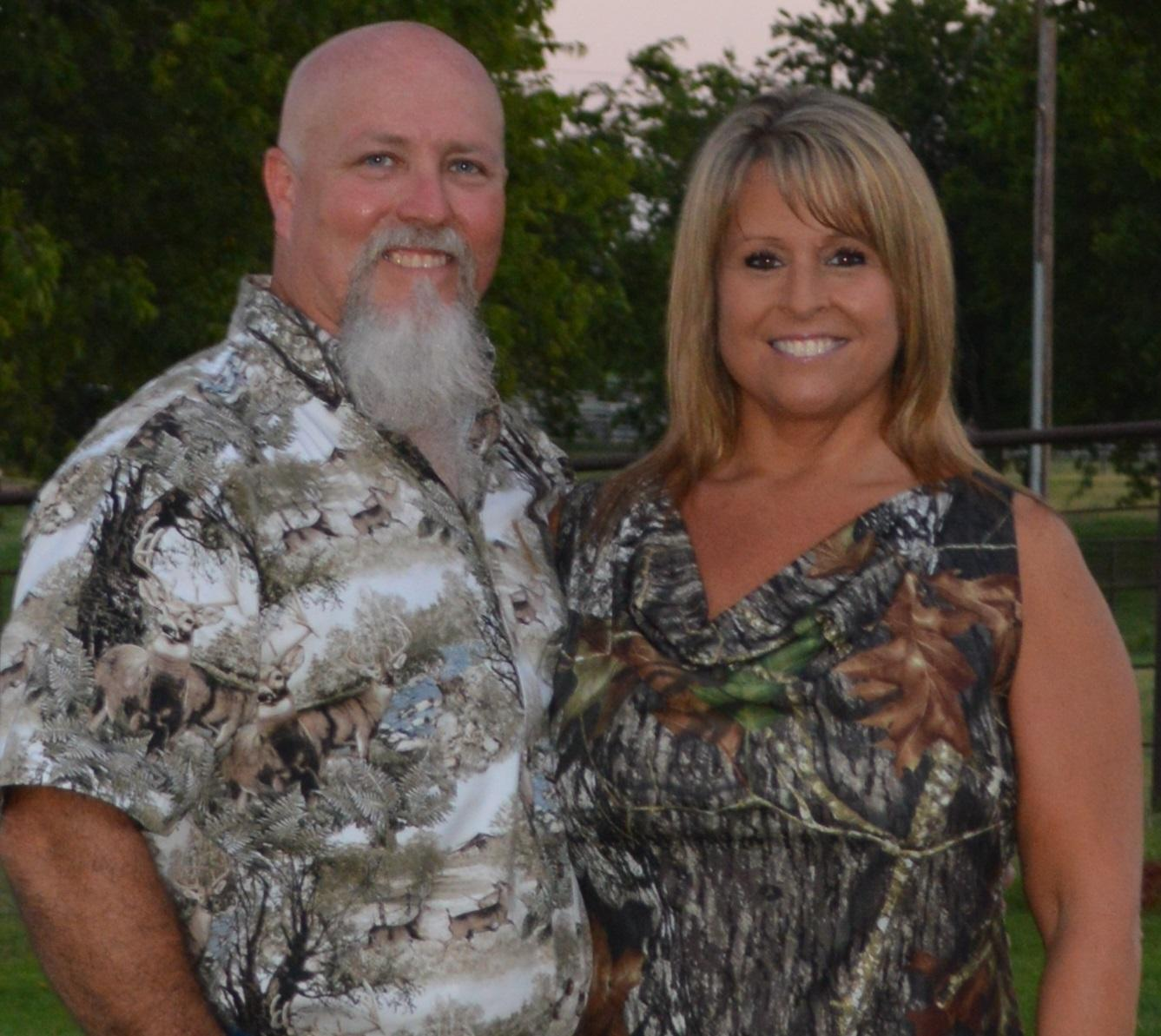 76f0ca77daf2 Glenn Guess (the Hog Zombie) and his wife Michelle