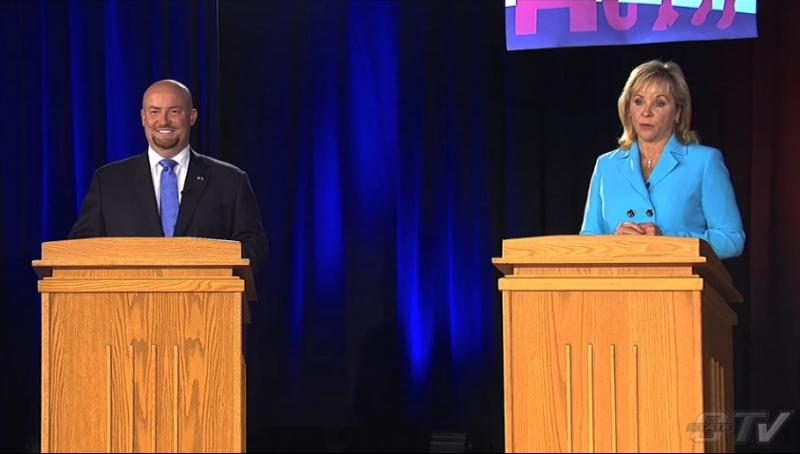 Democratic gubernatorial nominee and state Rep. Joe Dorman (D-Rush Springs) and Republican incumbent Gov. Mary Fallin during the October 2, 2014 debate at Oklahoma State University.