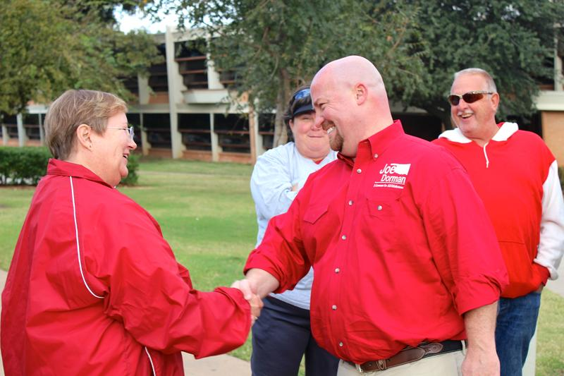 Former state Rep. Joe Dorman meets with voters on the University of Oklahoma campus during his 2014 campaign for governor.