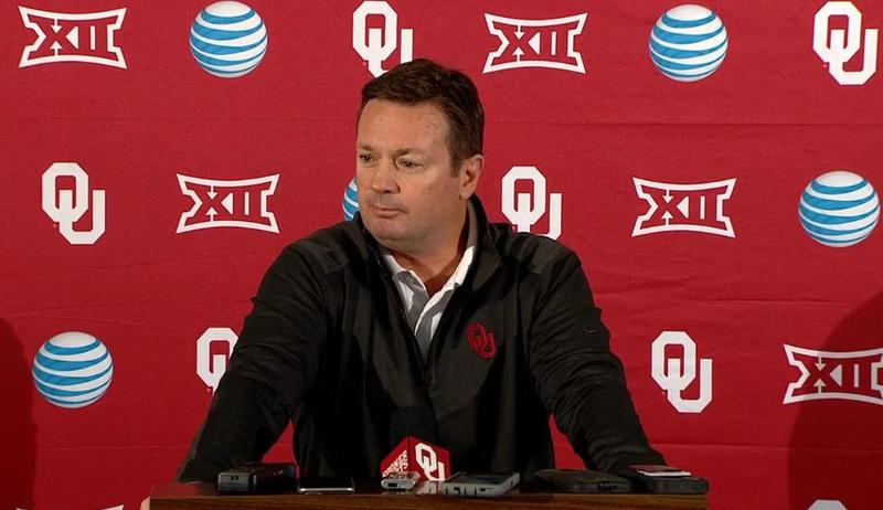 University of Oklahoma head football coach Bob Stoops addresses reporters during s January 6, 2014 press conference.
