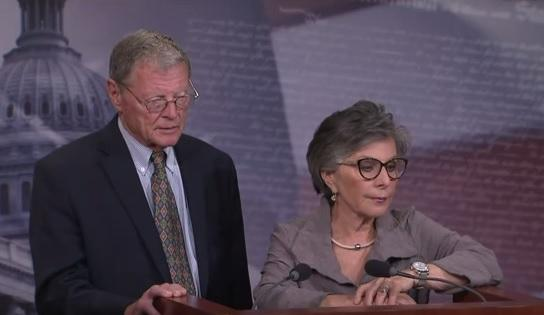 U.S. Sen. Jim Inhofe (R-Okla.) and U.S. Sen. Barbara Boxer (D-Calif.) speak to reporters during a press conference July 30, 2015 after the passage of the long-term transportation bill.