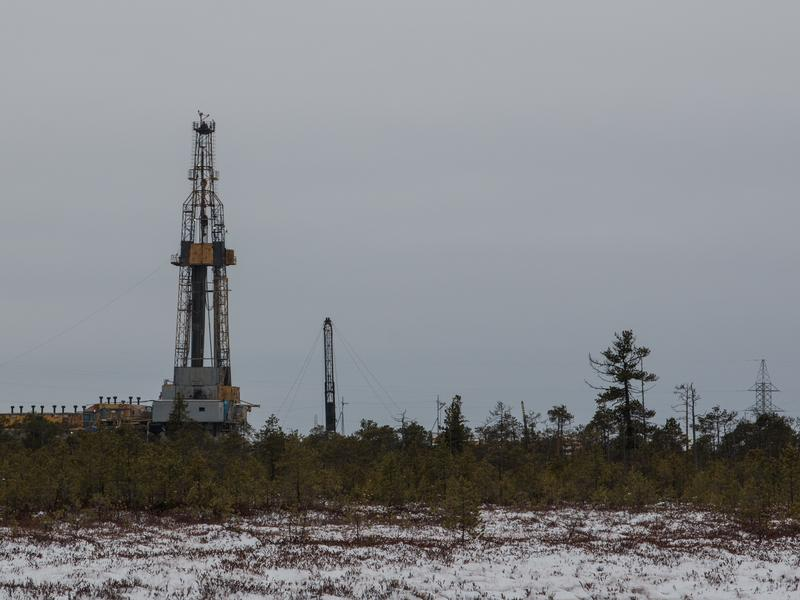 A Rosneft oil rig drilling near Ugut, Russia.