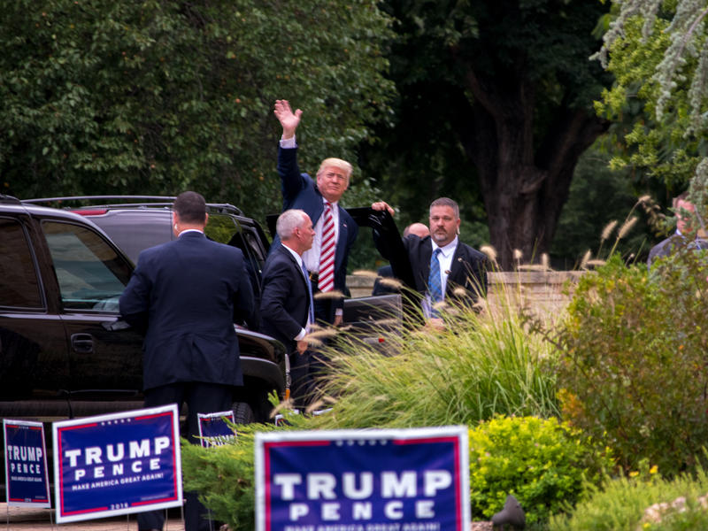 Republican presidential nominee Donald Trump arrives at the home of Hunter and Kathy Miller in Norman for a fundraiser Saturday, September 17, 2016.