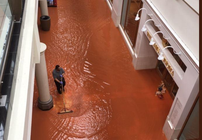 Flooding on Penn Square Mall's ground floor