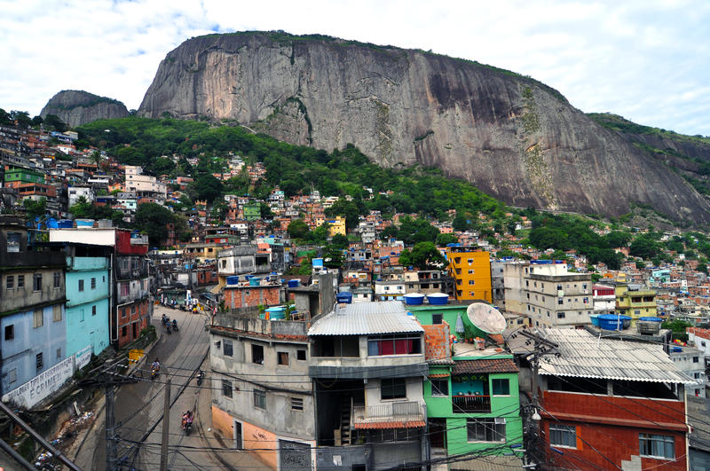 A hilly road in Rocinha.