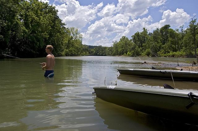 Oklahoma governor and cherokee nation chief sign fishing for Illinois river fishing