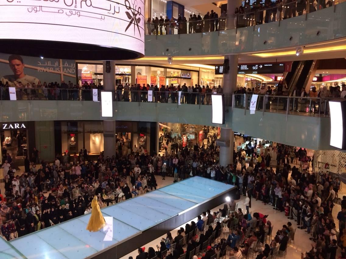 Fashion Show Mall is a shopping mall located on the Las Vegas Strip in Paradise, Nevada. Fashion Show Mall is owned by the General Growth Properties Inc. With 1,, sq ft (, m2) of space, this is one of the largest enclosed malls in the world.