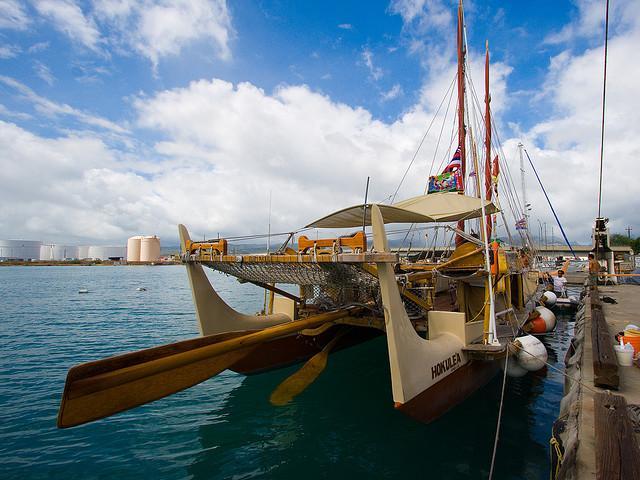 Hōkūleʻa Image ® Polynesian Voyaging Society. Credit Flickr / Kanaka Menehune