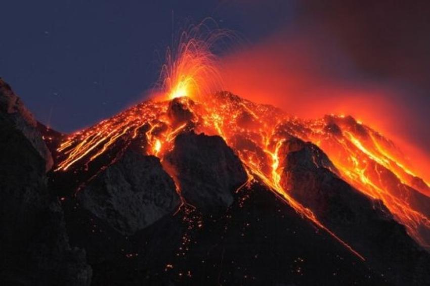 Kết quả hình ảnh cho Kilauea Volcano – Hawaii Volcano National Park