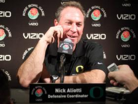 Oregon Defensive Coordinator Nick Aliotti