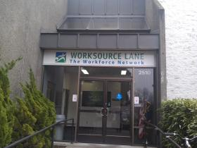 Congressman Peter DeFazio met with unemployed Lane County residents at Worksource Lane in Eugene.