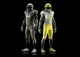U of O spring game uniforms honor the military.