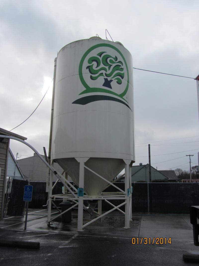 Outside Oakshire Brewing in Eugene