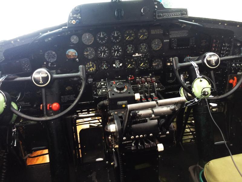 B-17G cockpit