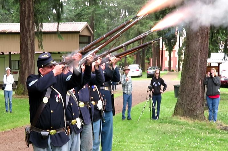 Sons of the Union Veterans of the Civil War do rifle salute