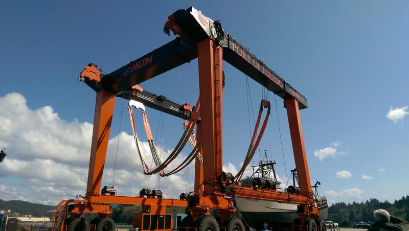 The new 660-ton lift for hauling-out boats at the Toledo shipyard.