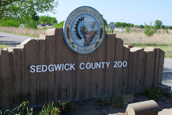 The entrance to the Sedgwick County Zoo.