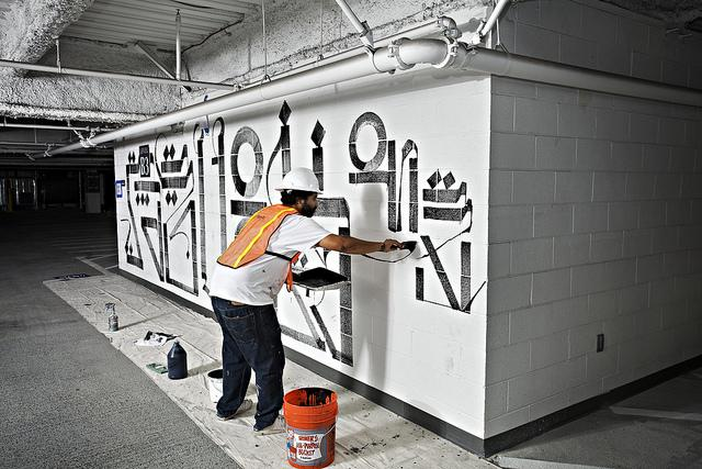 RETNA creates a mural in Las Vegas