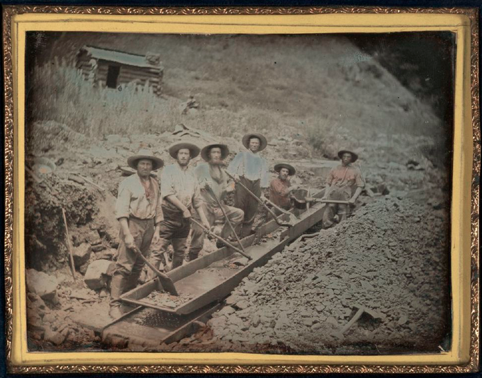 Unknown Maker, American. Gold Miners with Sluice, ca. 1850. Daguerreotype, quarter plate, image size: 3 ¼ x 4 ¼ inches. Gift of Hallmark Cards, Inc., 2005.27.116.