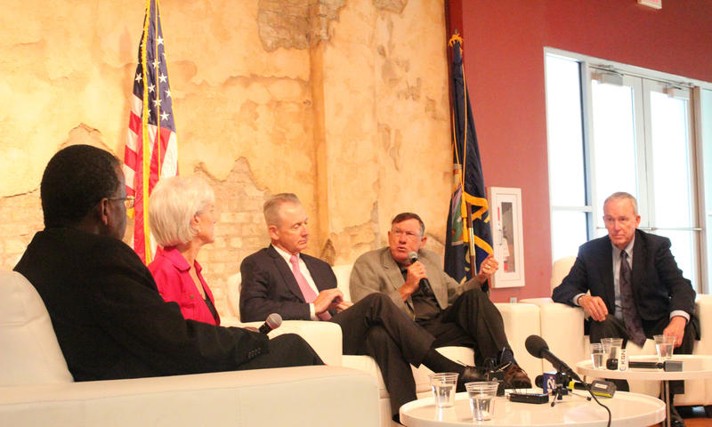 (L-R) Moderator Dr. Reggie Robinson, a professor at the KU School of Public Policy and Administration, discusses the campaign with former governors Kathleen Sebelius (D), Bill Graves (R), Mike Hayden (R) and John Carlin (D).