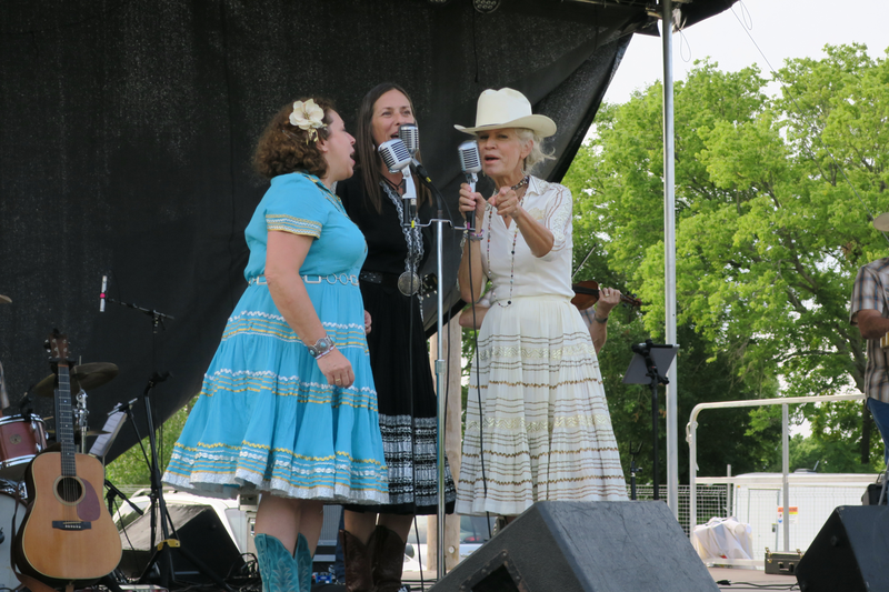 The Cherokee Maidens & the Sycamore Swing perform a Saturday morning concert.