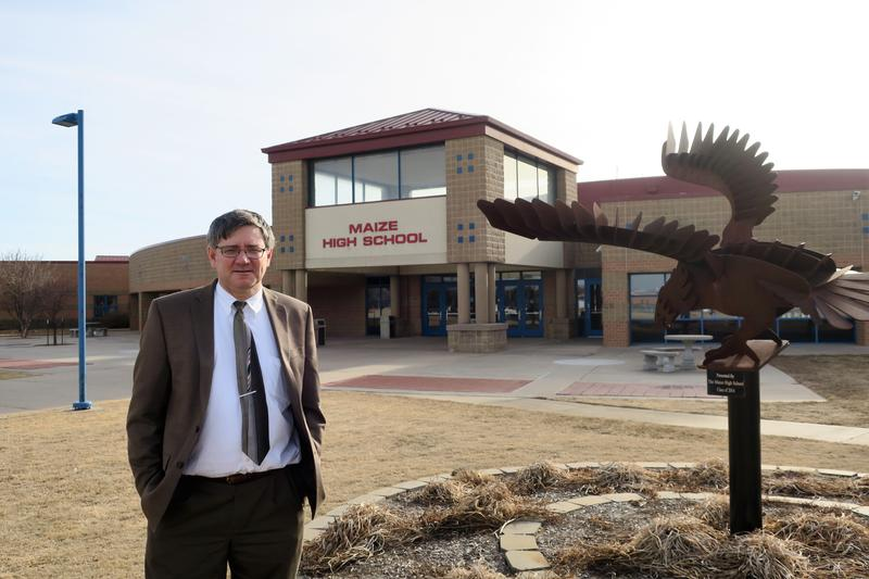 Maize High School Physics Teacher Stan Bergkamp launched the Maize Solar Initiative to install systems that convert sunlight into electricity at USD 266 schools.