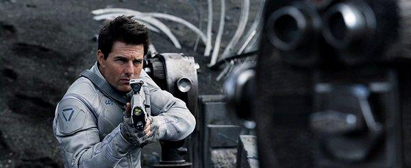 Tom Cruise broods in Oblivion