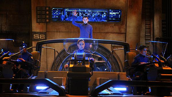 Asa Butterfield puts those teenage video game skills to use in 'Ender's Game'