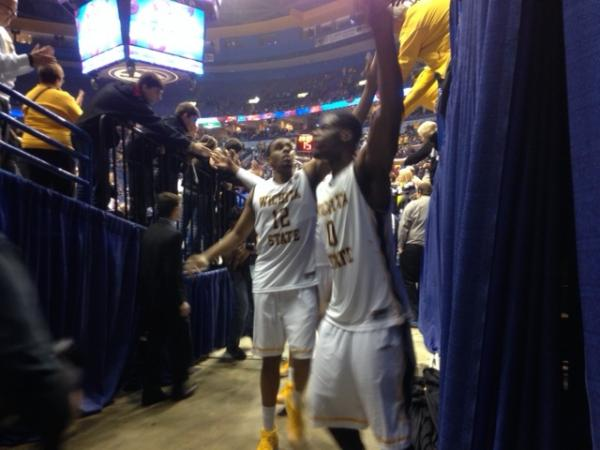 Team waves to Shocker Nation in St. Louis