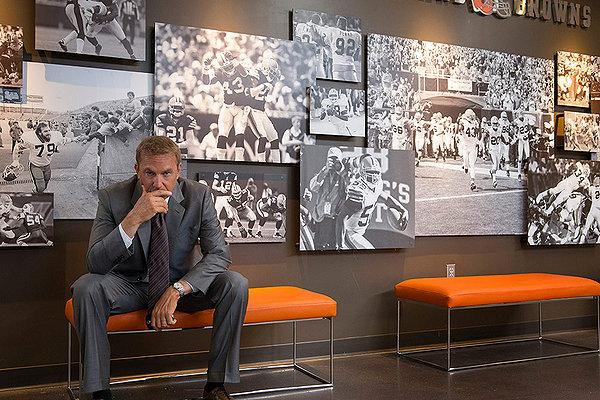 Kevin Costner thinks really hard about football in 'Draft Day'