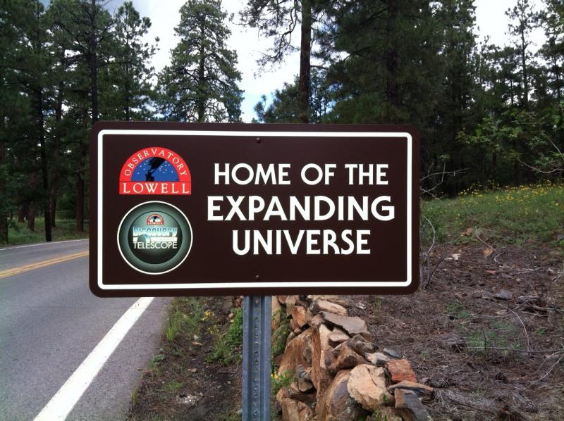 Sign on drive up to Lowell Observatory