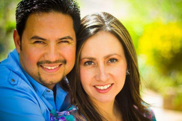 Sergio and Katia Ocanas lead The International Church Las Vegas En Español.